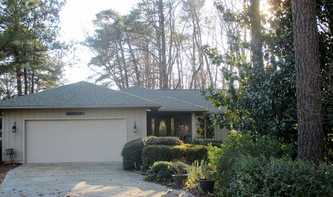 Photo of home for sale at 585 St Andrews, Pinehurst NC
