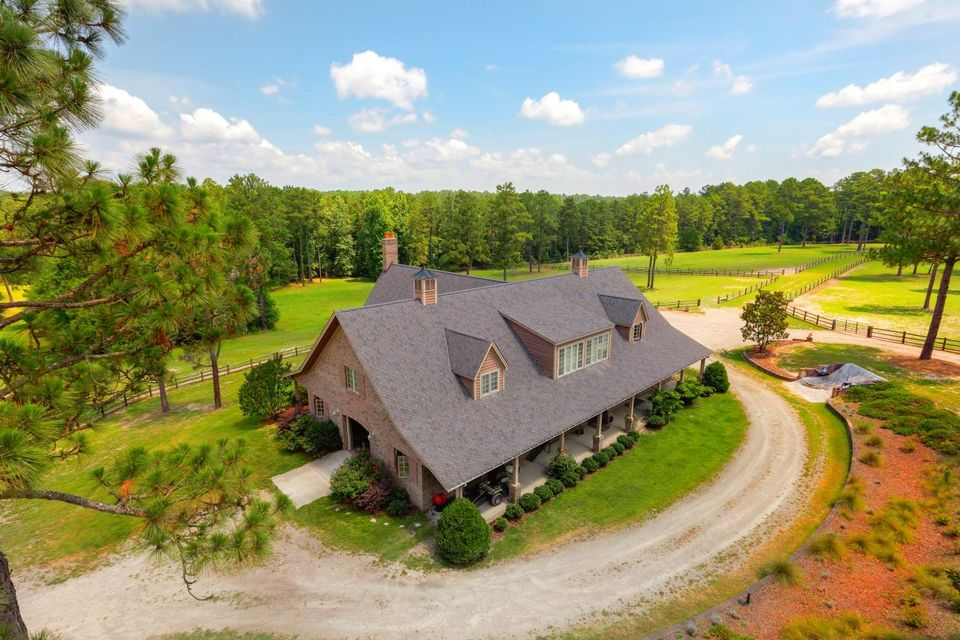 1590 Youngs Road, Vass, NC 28394