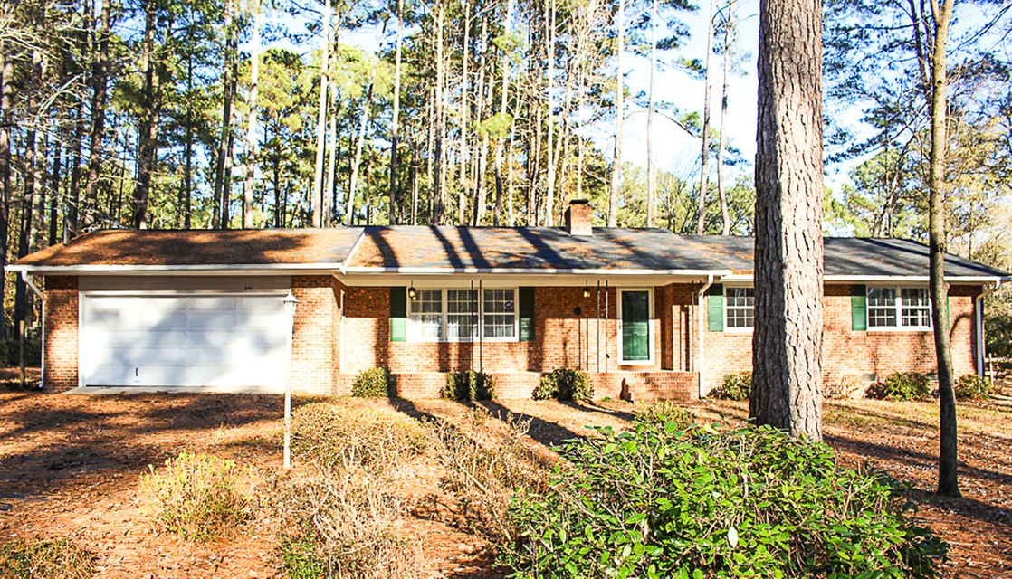 241 Heather Lane, Southern Pines, NC 28387