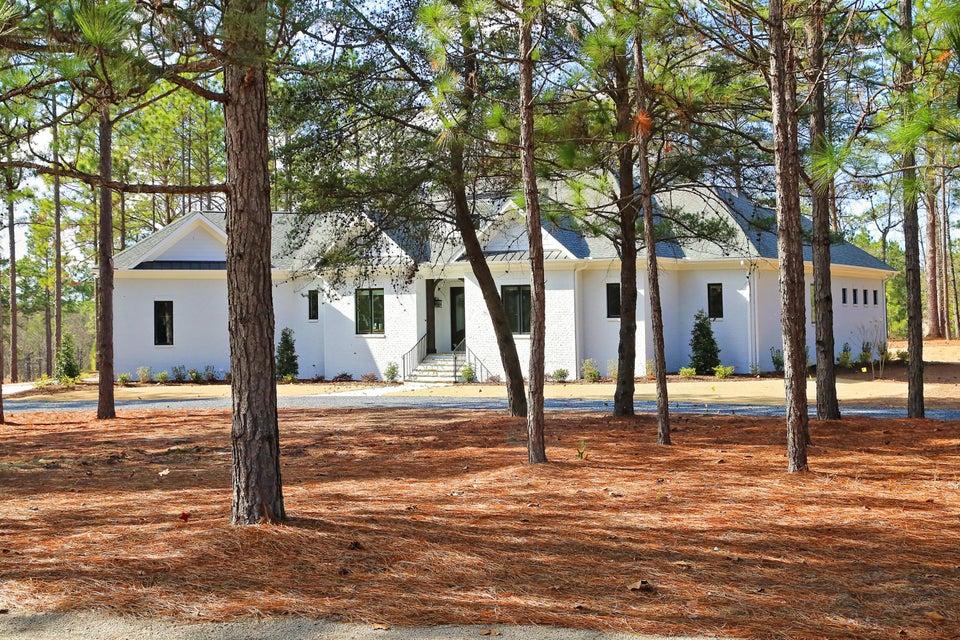 60 Quaker Ridge Road, Pinehurst, NC 28374