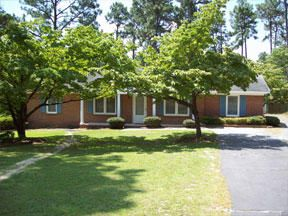 302 Selkirk Trail, Southern Pines, NC 28387