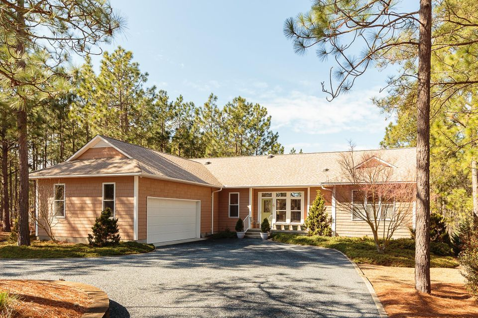 105 Dubose Drive, West End, NC 27376