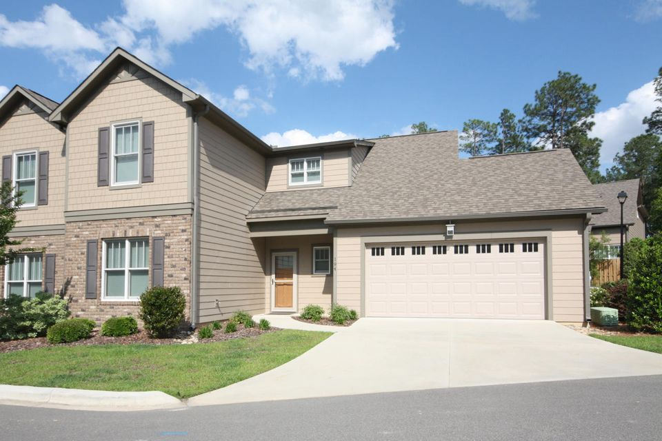 194 Pinebranch Court, Southern Pines, NC 28387