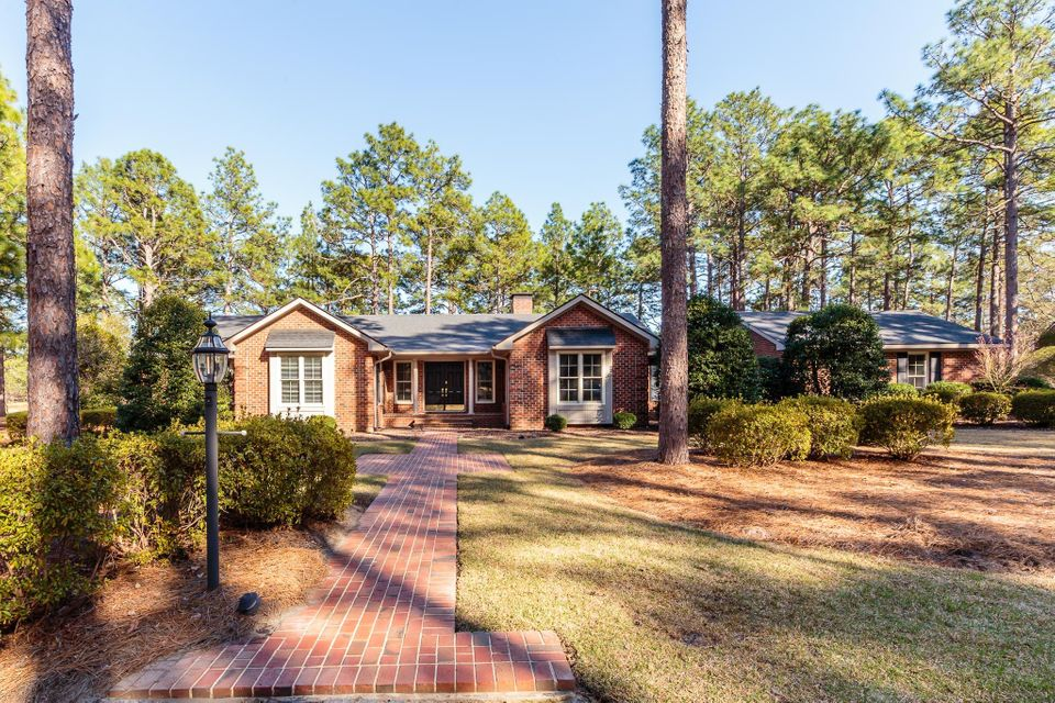 230 Bel Air Drive, Pinehurst, NC 28374