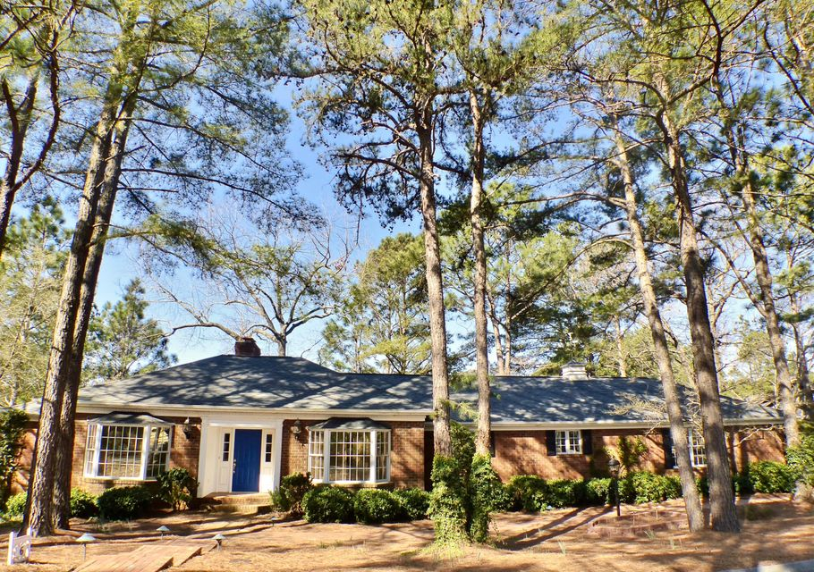 6 Lake Shore Court, Pinehurst, NC 28374