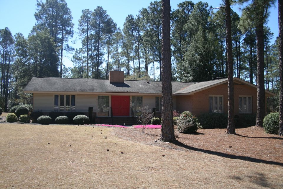 33 Richmond Road, Foxfire, NC 27281