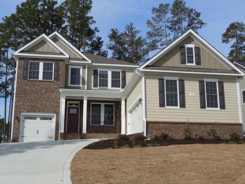 84 Plantation Dr, Southern Pines, NC 28387
