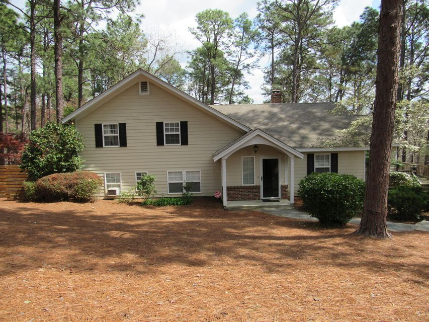 205 S Glenwood Trail, Southern Pines, NC 28387