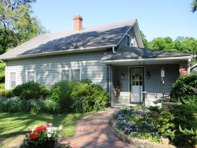 Photo of home for sale at 135 Rattlesnake, Pinehurst NC