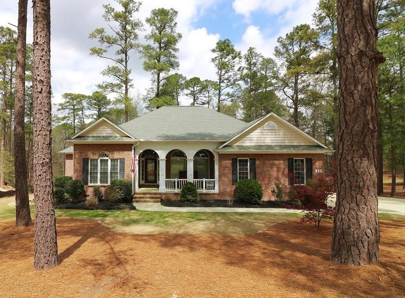27 Hampshire Lane, Pinehurst, NC 28374