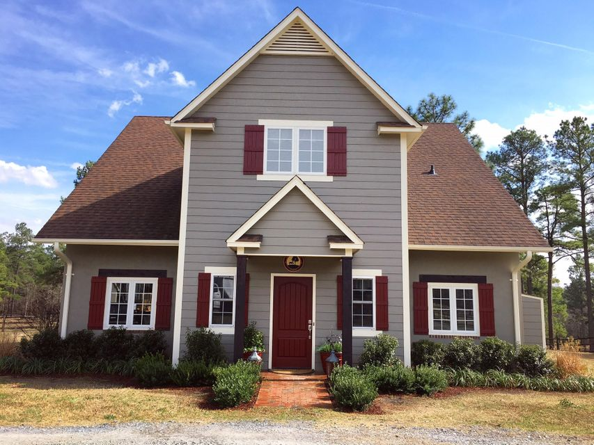 496 Yadkin Run Lane, Southern Pines, NC 28387