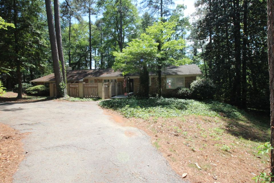 600 S Valley Rd, Southern Pines, NC 28387