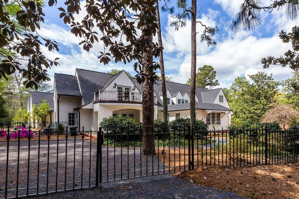 10 Village Green Road, Pinehurst, NC 28374