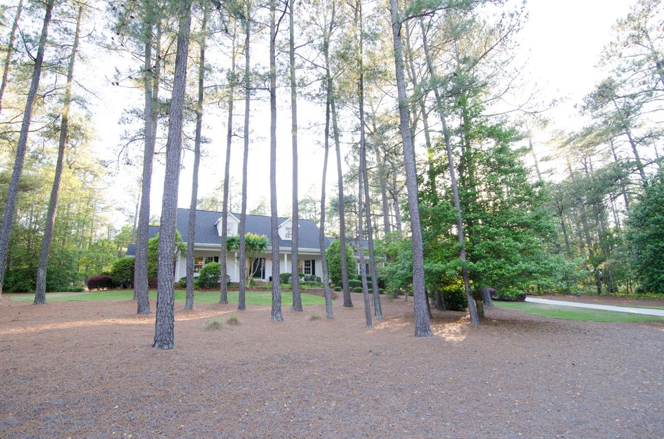 37 Pinewild Drive, Pinehurst, NC 28374