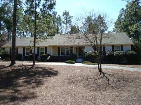 315 Stoneyfield Drive, Southern Pines, NC 28387