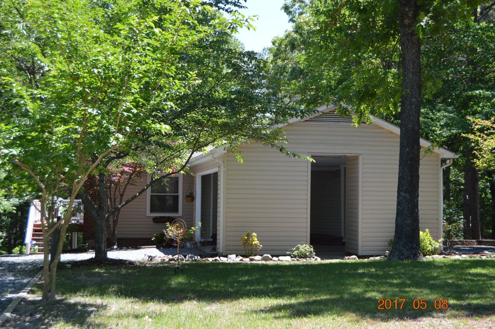 155 Edgewater Drive, West End, NC 27376