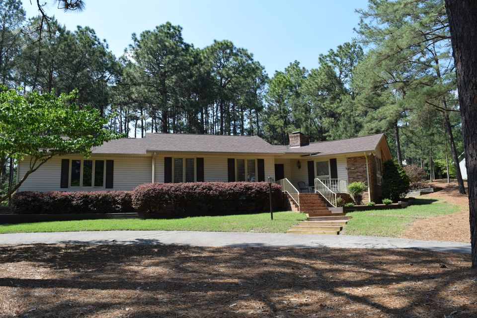 101 Oxford Court, West End, NC 27376