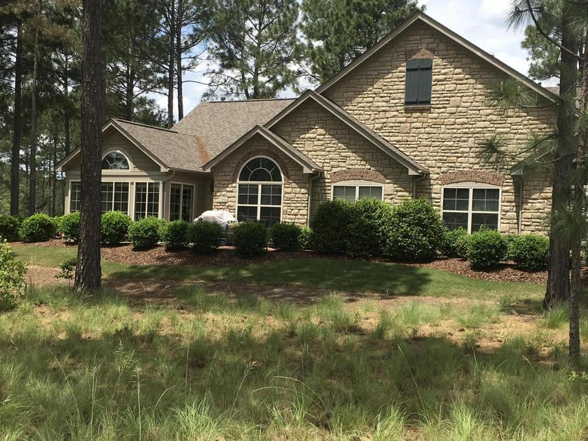 111 Essex Place, Southern Pines, NC 28387