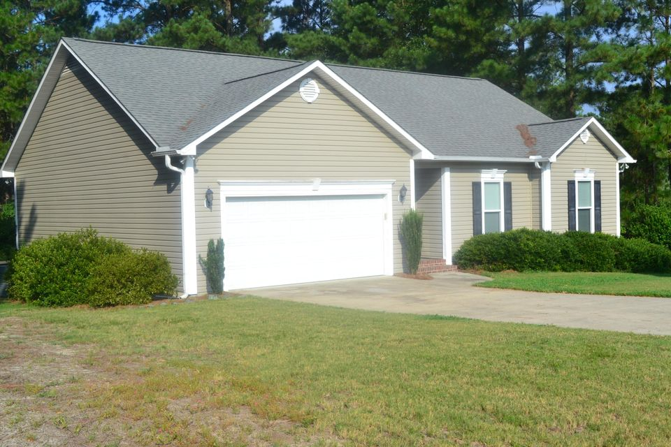 105 Willow Creek Lane, Pinebluff, NC 28373