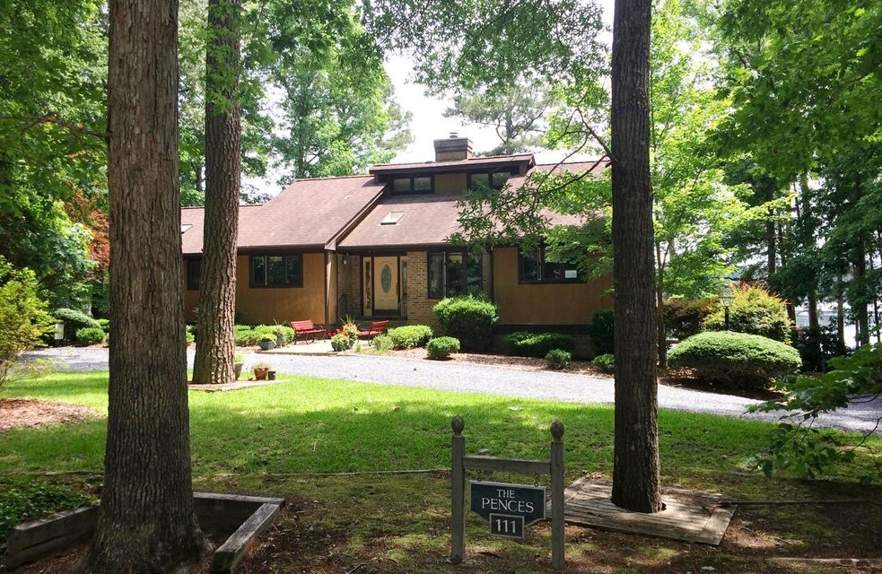 111 Lakeview Drive, Whispering Pines, NC 28327