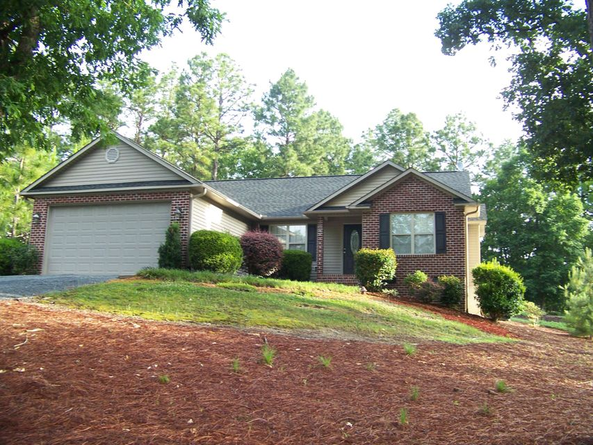 127 Pinecone Ct, West End, NC 27376