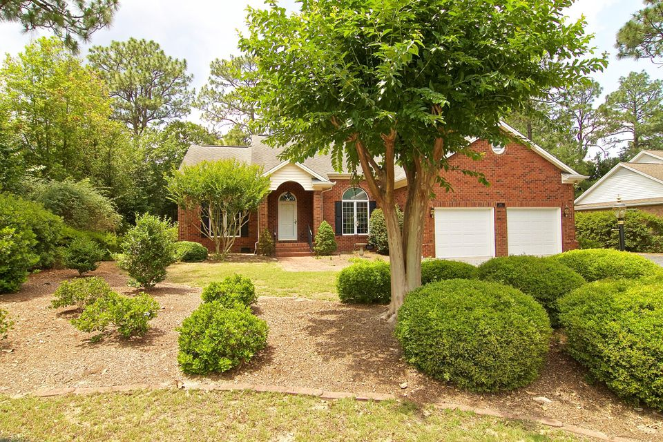 Photo of home for sale at 1435 Monticello, Pinehurst NC