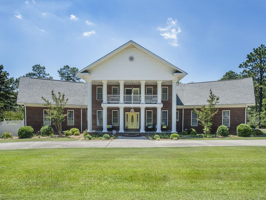 102 S Glenwood Trail, Southern Pines, NC 28387