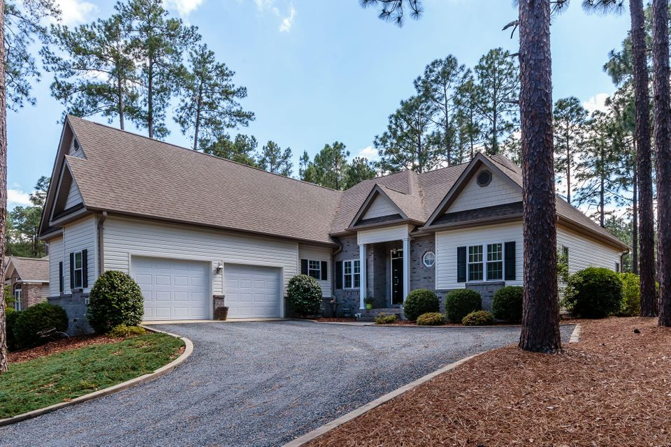 278 Longleaf Drive, West End, NC 27376