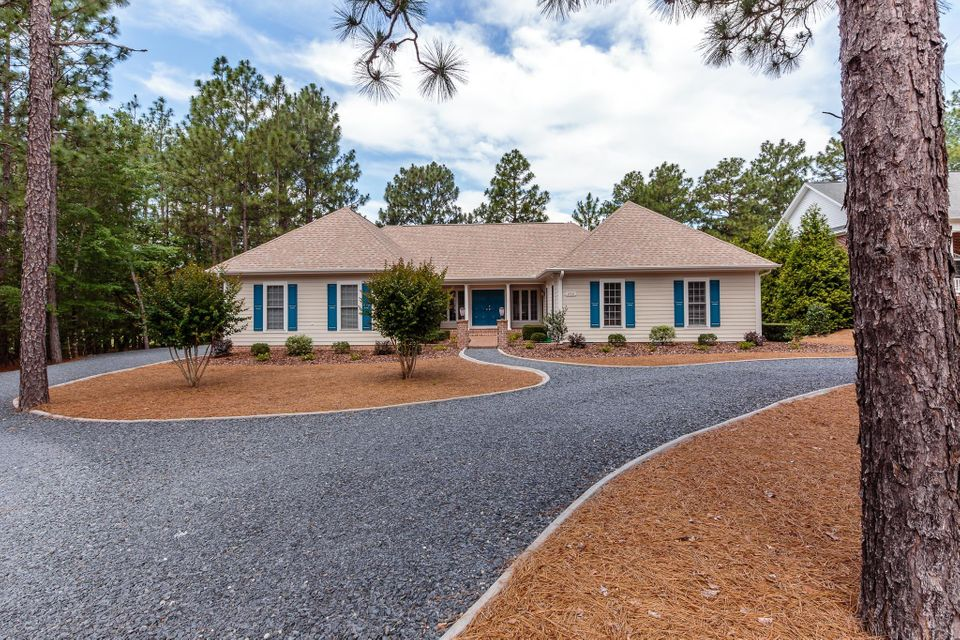 252 Longleaf Drive, West End, NC 27376