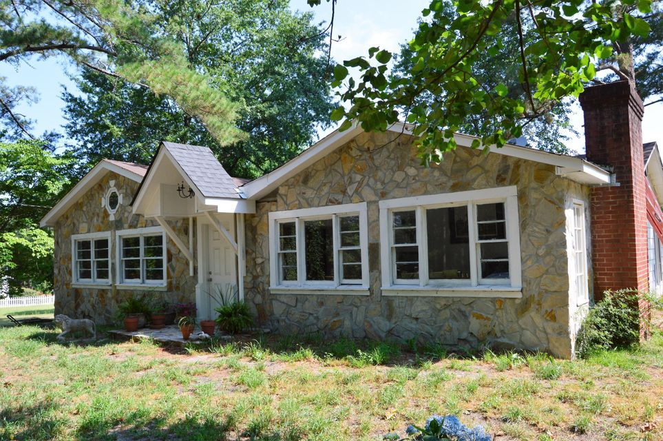 110 Wooster Road, Southern Pines, NC 28387