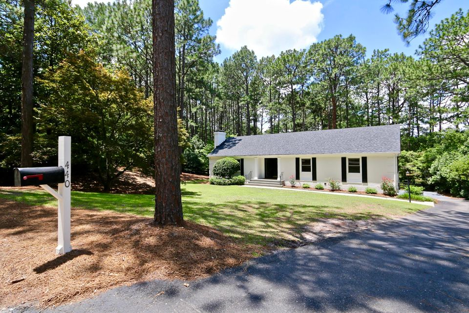 440 Crestview Road, Southern Pines, NC 28387