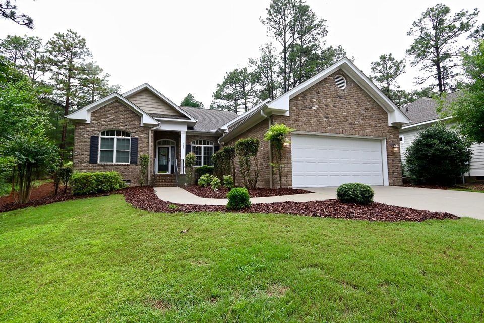 122 Triple Crown Circle, Southern Pines, NC 28387