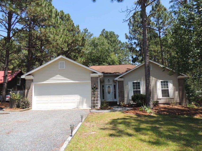 395 Sandhills Circle, Pinehurst, NC 28374