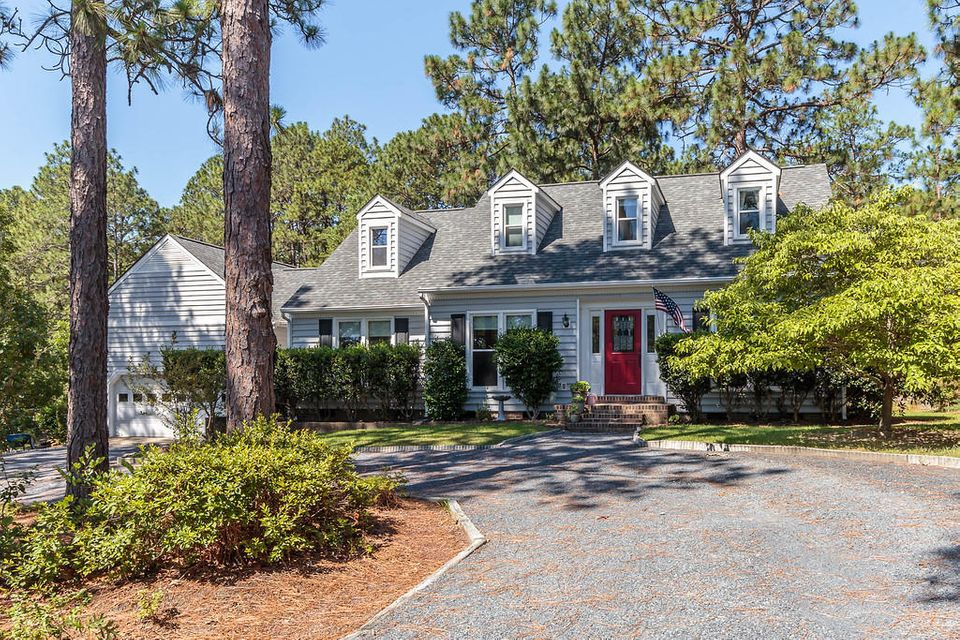 125 Lost Tree Place, Southern Pines, NC 28387
