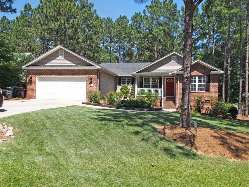 415 Sandhills Circle, Pinehurst, NC 28374