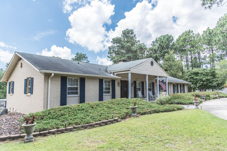 104 S Glenwood Trail, Southern Pines, NC 28387