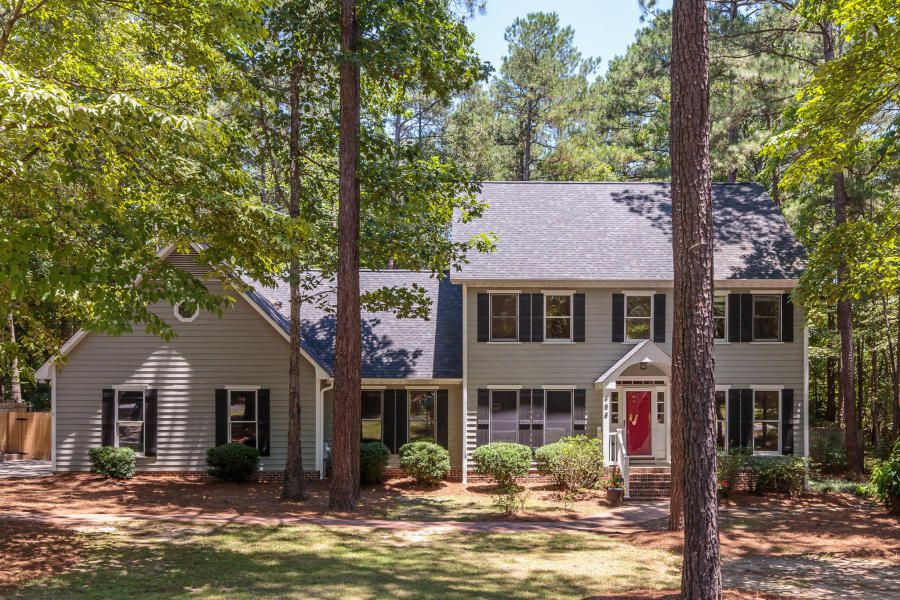 465 E Hedgelawn Way, Southern Pines, NC 28387
