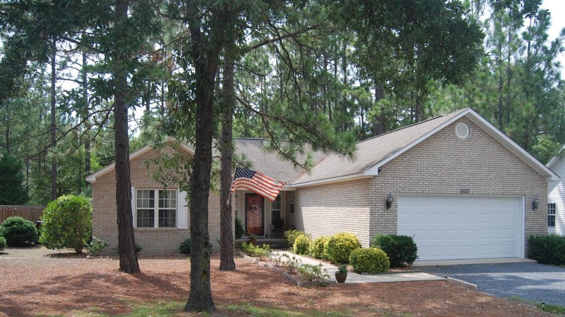 1520 E Longleaf Drive, Pinehurst, NC 28374