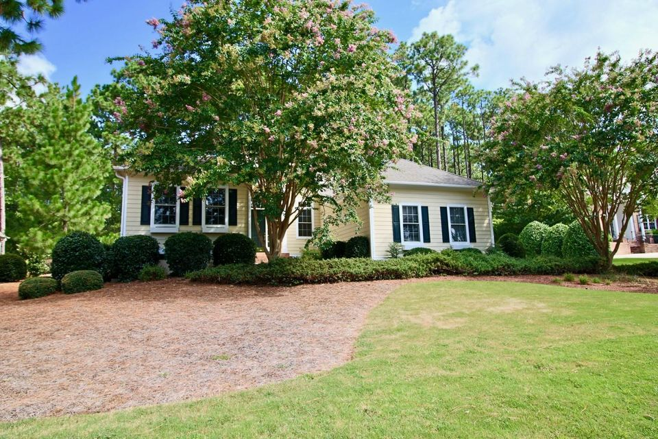 137 Steeplechase Way, Southern Pines, NC 28387