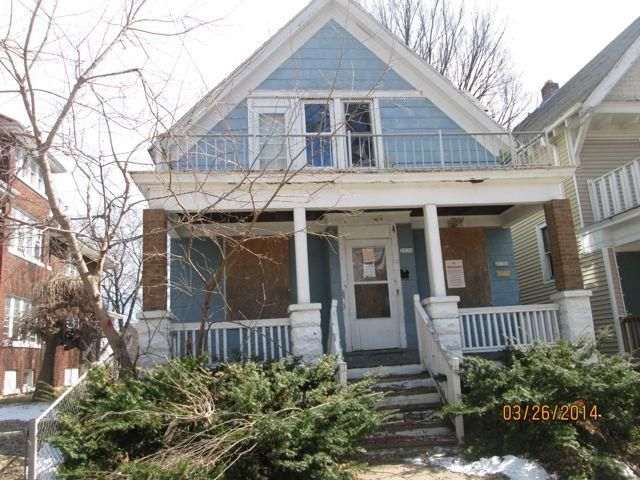 Photo of home for sale at 2530 38th St N, Milwaukee WI