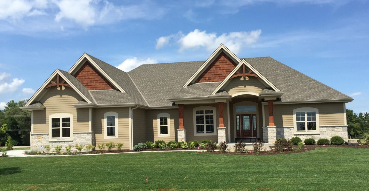 Single Family for Sale at N33w29686 Woodridge Cir Pewaukee, Wisconsin 53072 United States