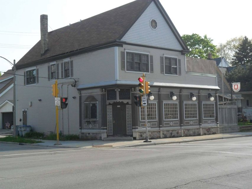 Commercial for Sale at 3101 W Lincoln Ave Milwaukee, Wisconsin 53215 United States
