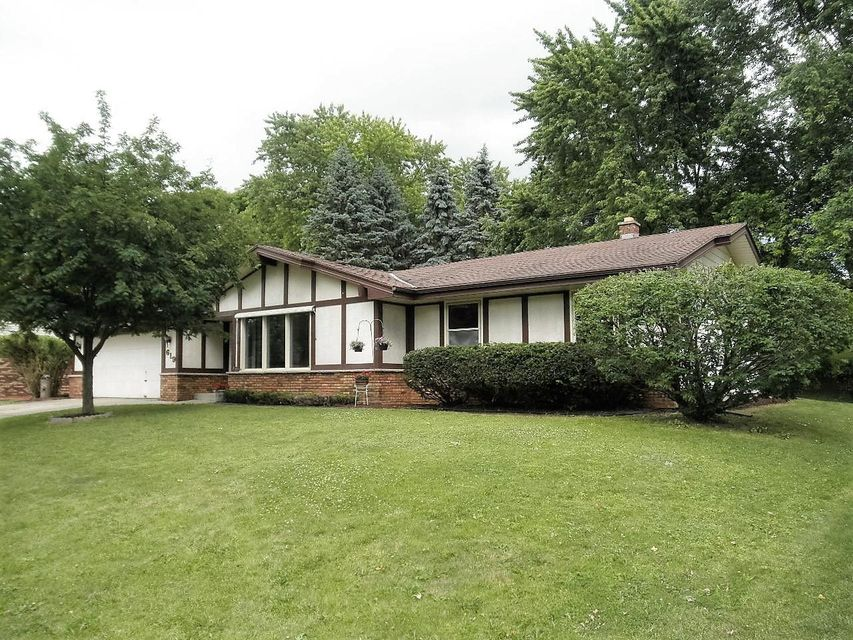 Single Family for Sale at 619 S University Dr Waukesha, Wisconsin 53188 United States