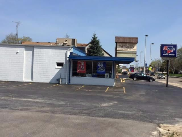 Commercial for Sale at N86w16302 Appleton Ave Menomonee Falls, Wisconsin 53051 United States