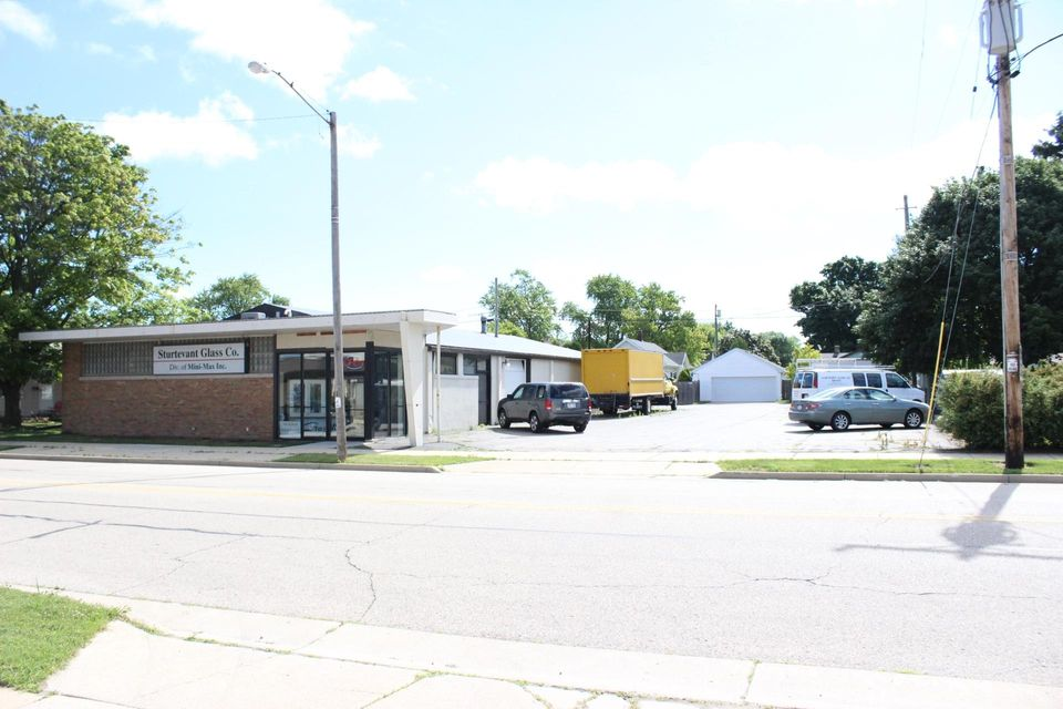 Commercial for Sale at 2919 Wisconsin St Sturtevant, Wisconsin 53177 United States