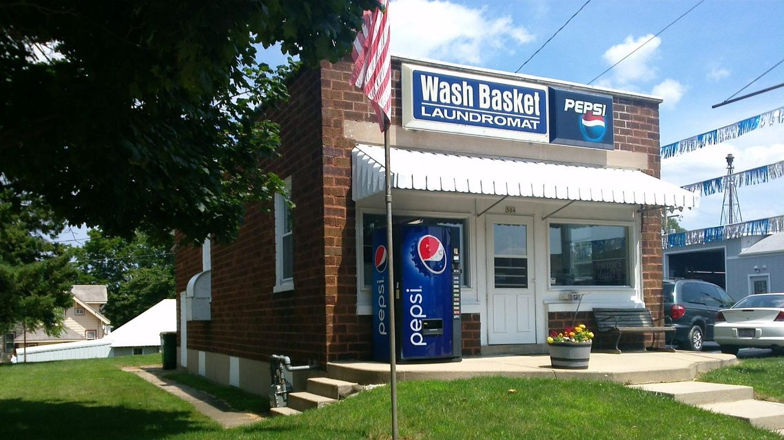 Commercial for Sale at 504 Madison Ave Sullivan, Wisconsin 53178 United States