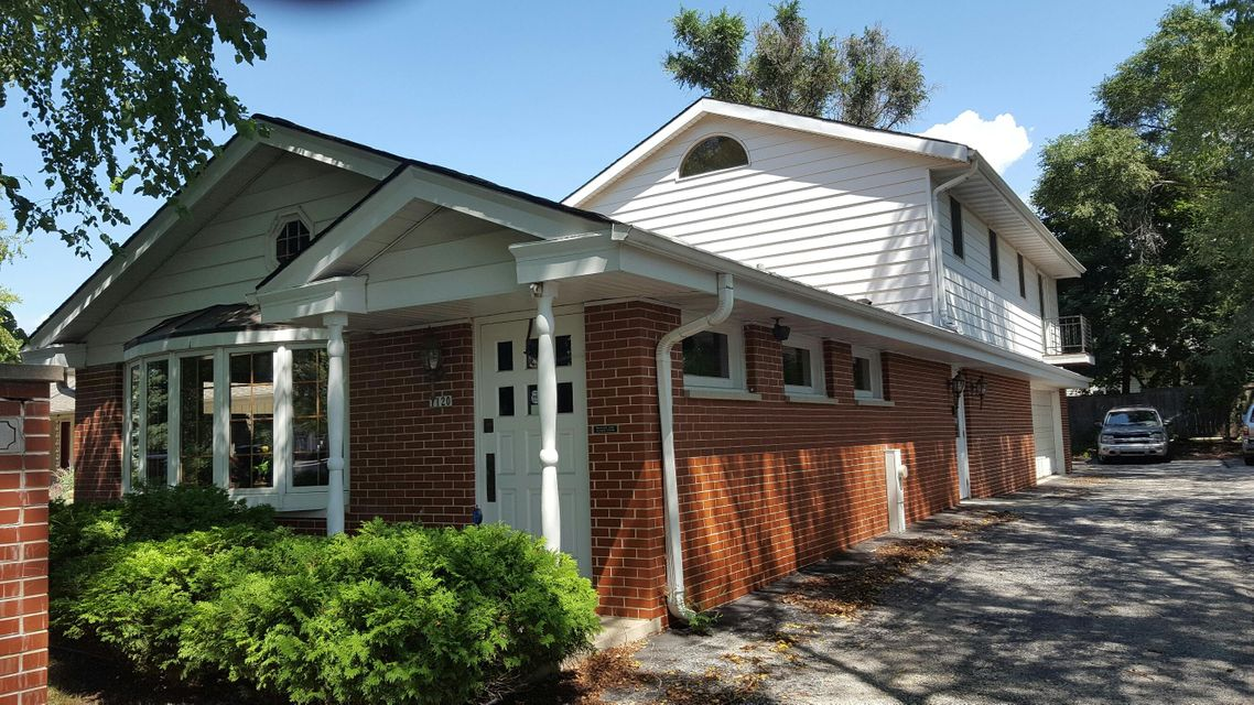 Commercial for Sale at 1120 Elm Grove St Elm Grove, Wisconsin 53122 United States