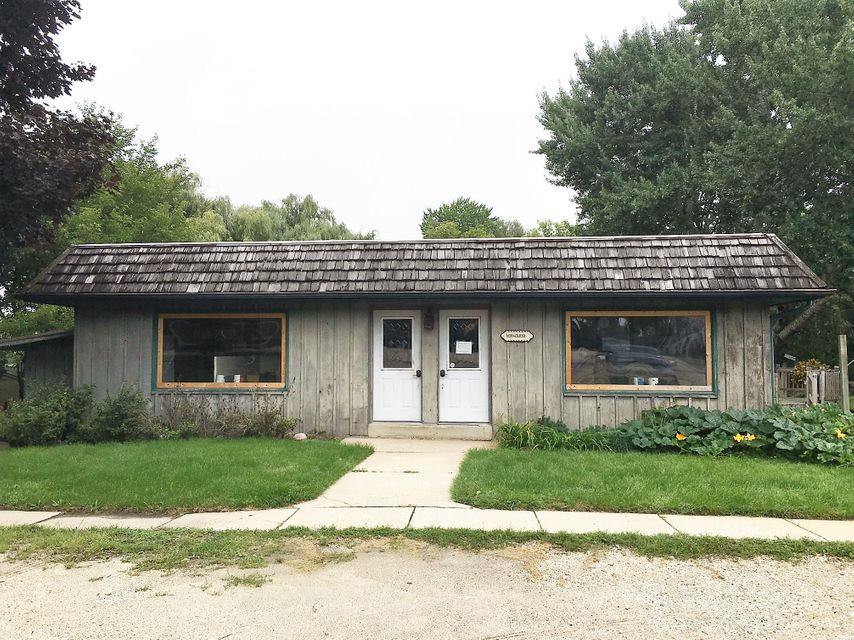 Commercial for Sale at N38w26830 Glacier Rd Pewaukee, Wisconsin 53072 United States