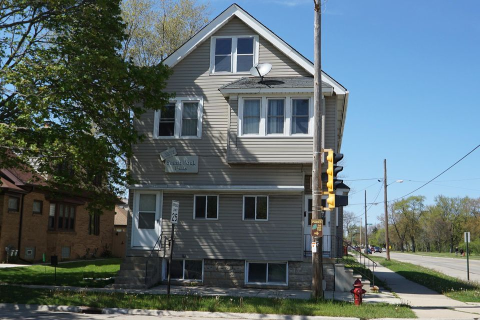 Commercial for Sale at 1500 Milwaukee Ave South Milwaukee, Wisconsin 53172 United States