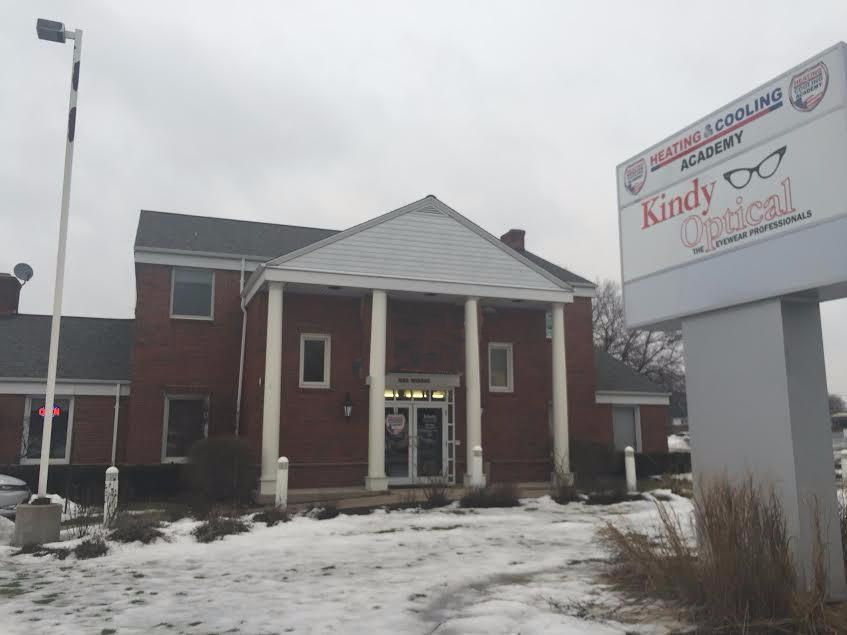 Commercial for Sale at N82w15340 Appleton Ave Menomonee Falls, Wisconsin 53051 United States